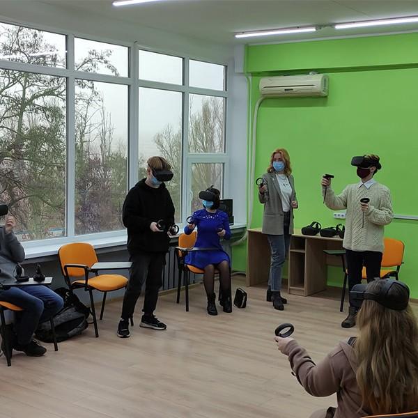 Створення VR лабораторії для Приазовського державного технічного університету.